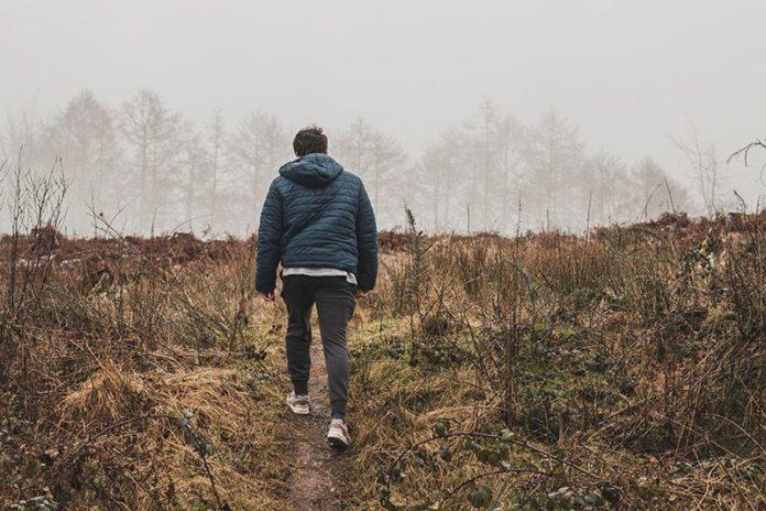 Promenerar-i-naturen